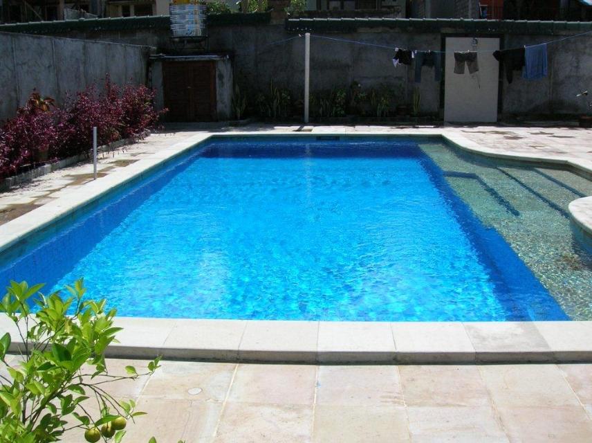 pool-030